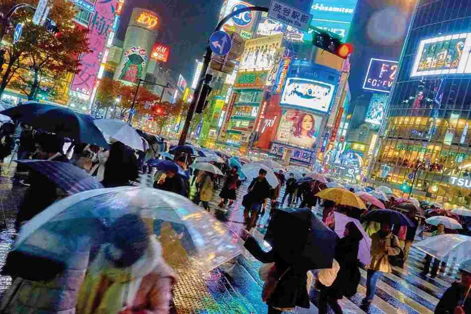 japan-tokyo-neon-street-night.jpg