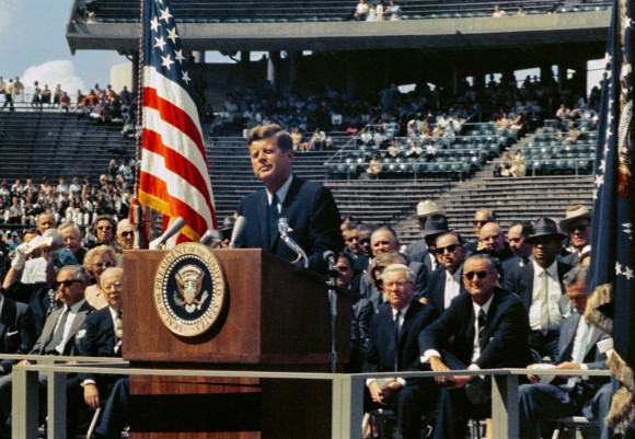 President_Kennedy_-_We_Choose_to_Go_to_the_Moon_(29533458786)