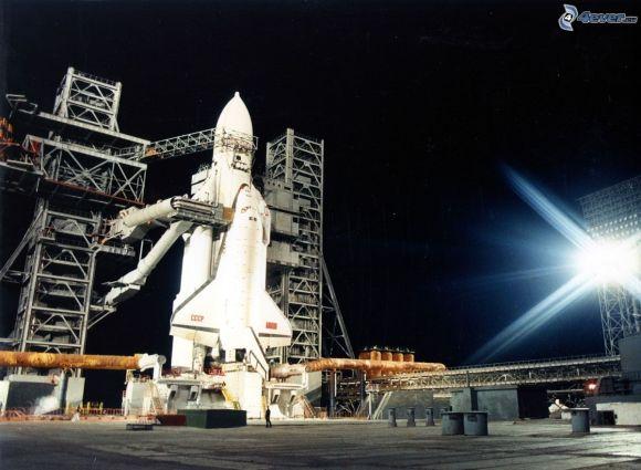 russian-space-shuttle-buran,-launch-pad,-energia-rocket,-night-148806